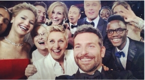 Live from the Oscars: Best group selfie ever?
